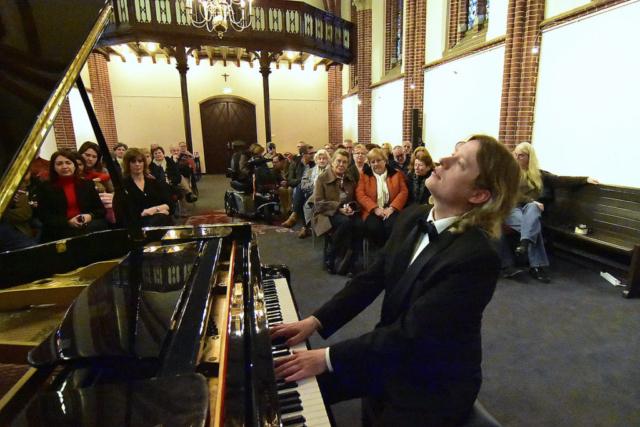 Pianist Thomas Alexander pure passie