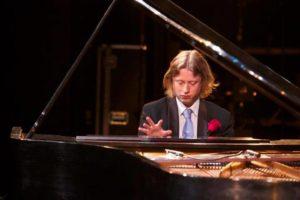 Pianist inhuren - Pianist voor bruiloften en feesten, concerten en meer.