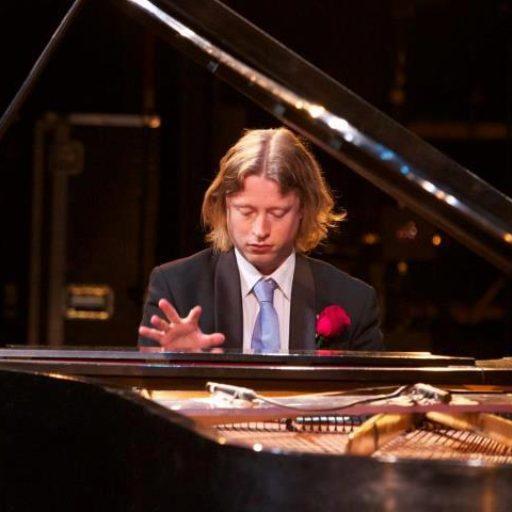 Pianist Thomas Alexander
